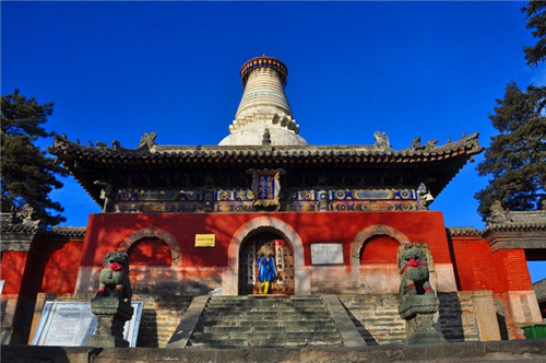 佛光寺     山西五台山佛光寺属全国重点文物保护单位,位于山西省